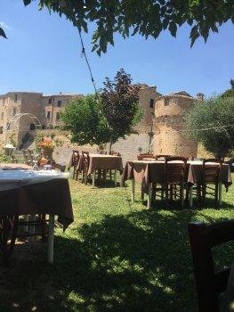 Veilig uit eten in de tuin van La Grotta